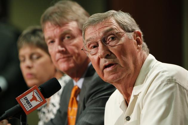 Texas' DeLoss Dodds on UT-A&M Football Rivalry: 'I Assume They'll Play Someday'