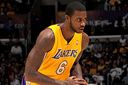 Earl Clark Hopes to Stick Around with Lakers