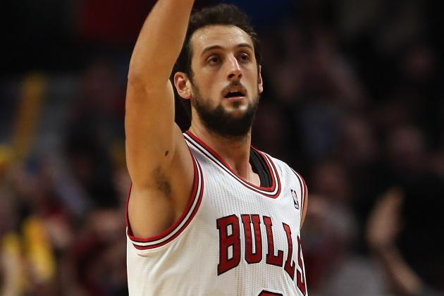 Marco Belinelli Hurts Ankle, Stays in Game