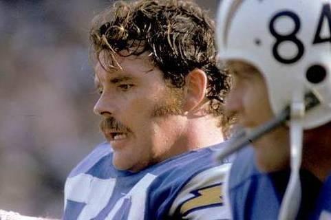 Walt Sweeney, Former San Diego Chargers OL, Dies at 71