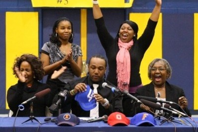 Twitter Reacts to Ryan Timmons' Commitment
