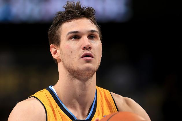 Danilo Gallinari's Crazy Circus Shot Wins Discounted Tacos for Nuggets Fans