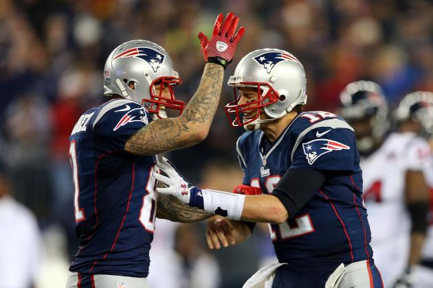 Report: Hernandez to California to Work Out with Brady