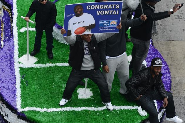 Video: Ray Rice Falls off Float