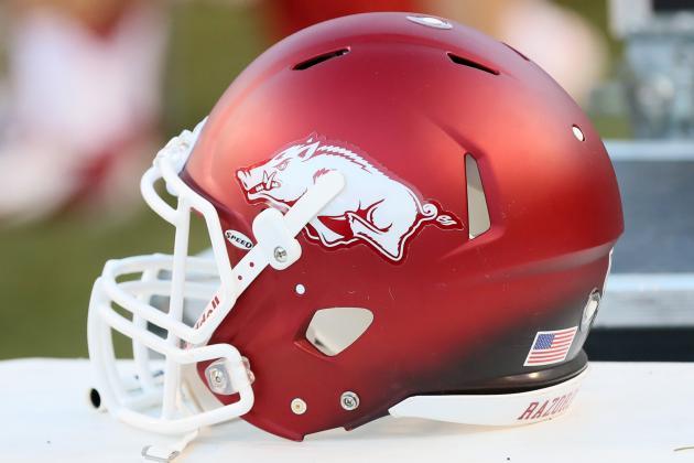 Football: Cedar Creek's Mitchell Choses Arkansas