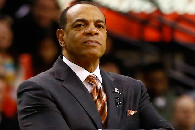 Lionel Hollins Is Still Complaining About the Roster He's Been Given