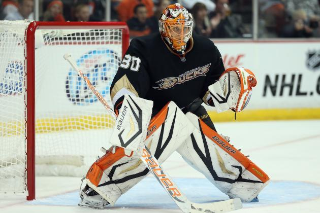 Fasth Gets 1st NHL Shutout as Ducks Rout Avs