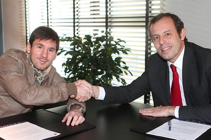 Messi Extends Contract Through 2018