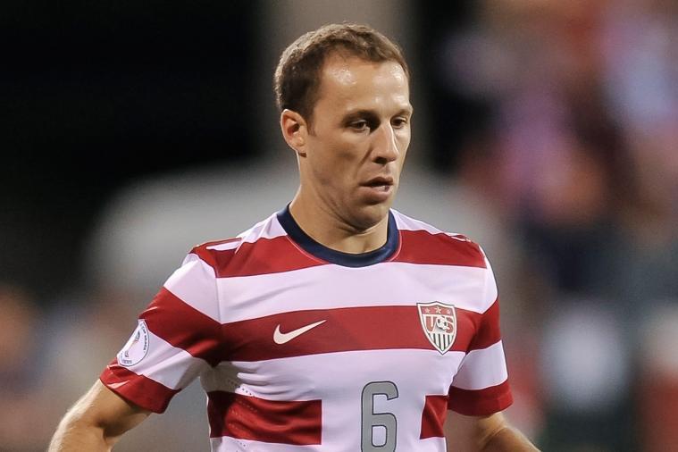 Hannover's American Captain Steve Cherundolo Has Knee Surgery