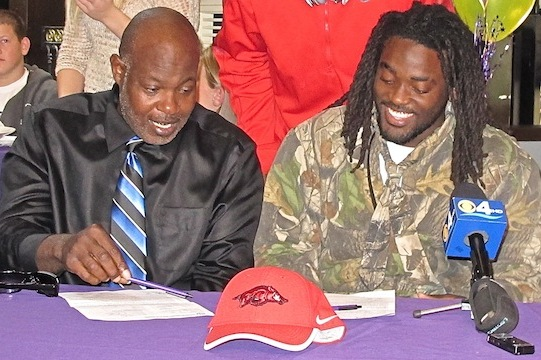 National Signing Day 2013: Alex Collins' Mom Drama Proves Absurd Nature of Day