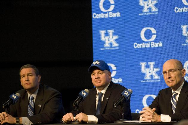 Stoops Shows His Strong Ties in Florida