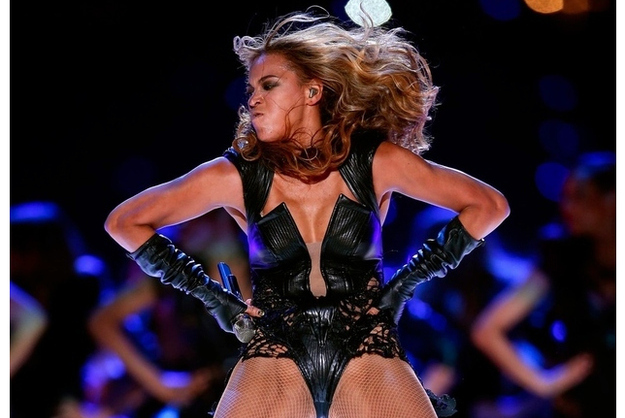 Hype over Bad Beyonce Super Bowl Pictures Spawns Hilarious Derp Meme