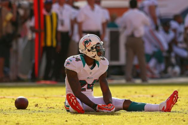 Should the Miami Dolphins Re-Sign Cornerback Sean Smith?