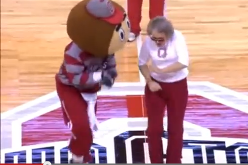 Ohio St. Grandma Shakes It to Gangnam Style, Doesn't Suffer Heart Attack [VIDEO]