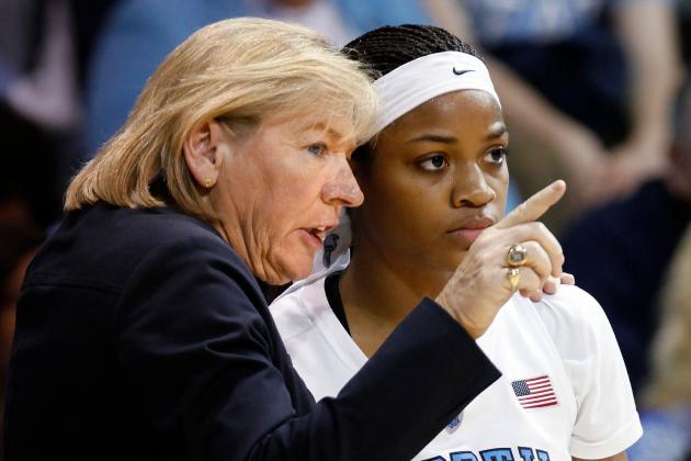 UNC's Hatchell Joins 900-Win Club