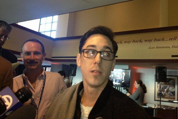 Giants Star Tim Lincecum Cuts Signature Long Hair, Still Rocking Soul Patch