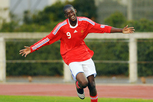 Auxerre Striking Sensation Yaya Sanogo Is Turning Heads Around Europe