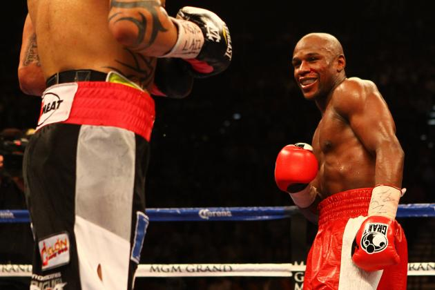 Floyd Mayweather Should Focus on Fighting After Recent Erratic Behavior