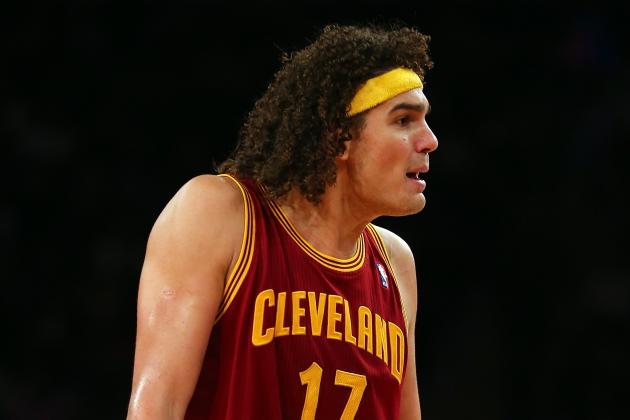 Varejao Considers Himself 'Very Lucky' to Survive Life-Threatening Blood Clot