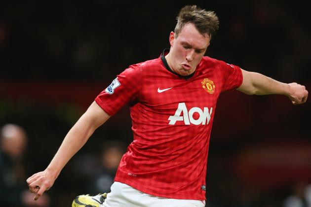 Manchester United: Breaking Down Phil Jones' Performance Against Everton