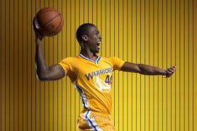 Golden State Warriors Reveal Short-Sleeve Compression Jerseys