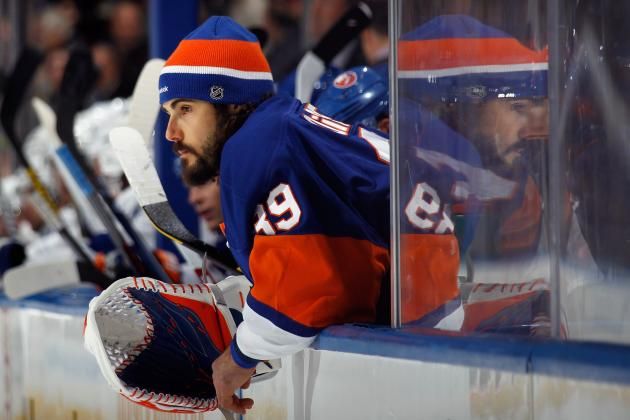 VIDEO: Islanders Fans Chant Rick DiPietro Sucks