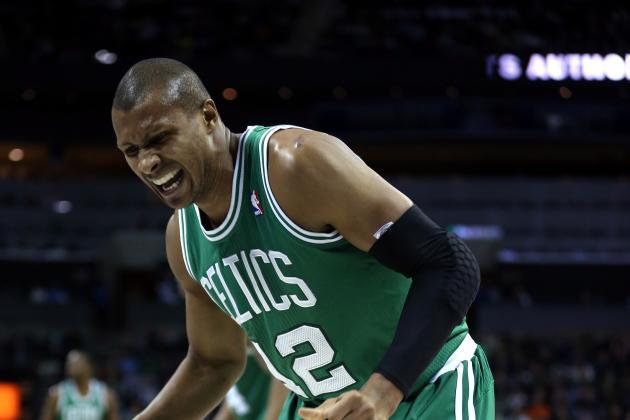 Celtics' Barbosa Suffers Knee Injury in Charlotte