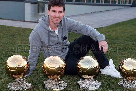 Facebook: Messi Poses with 4 Ballons d'Or Awards