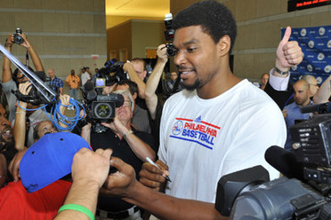 76ers May Have to Push Bynum's Debut Yet Again