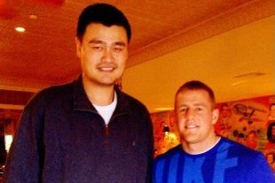 J.J. Watt Takes a Picture with Yao Ming, and Watt Looks Like a Middle Schooler