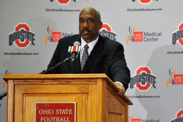 Ohio State's Smith Favors Buckeyes, Wolverines in Same Division