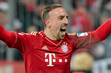 Crazed Fan Talks His Way into Bayern Munich Locker Room