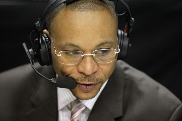 Breaking Down What Gus Johnson Must Improve to Become Top Soccer Announcer