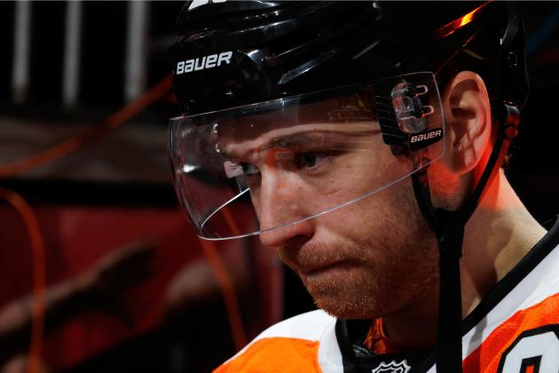 Claude Giroux: Is Captaincy Weighing on Slumping Flyers Star?