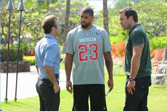 Texans Star Arian Foster Takes Act to Primetime, Makes Cameo on Hawaii Five-O