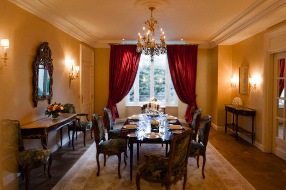 David Beckham's Reported Paris Hotel Suite Is Fancy, May Have Free Wi-Fi