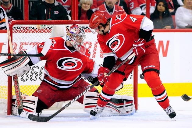 Ellis Helps Hurricanes Top Leafs