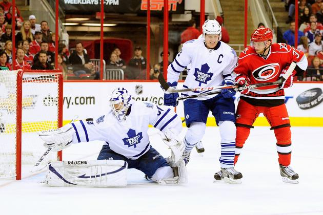 Hurricanes Stay Hot, Beat Leafs 3-1