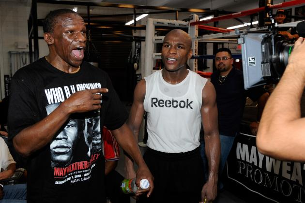 Floyd Mayweather Back with Father as Trainer Heading into May 4