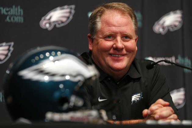 Chip Kelly Thinks Oregon Assistants Necessary for Installing His System