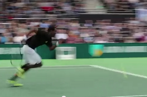 Gael Monfils Shows off His Speed with Amazing Rotterdam Winner