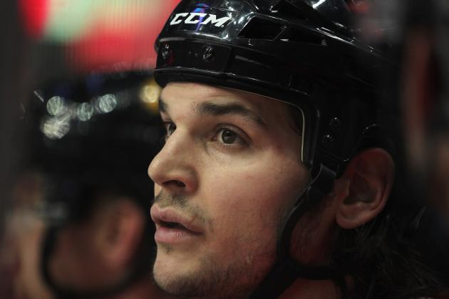 Chicago Blackhawks: What to Do with Daniel Carcillo Once He Returns