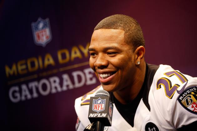 Impostor Tries to Lure Young Girls with Fake Ray Rice Account