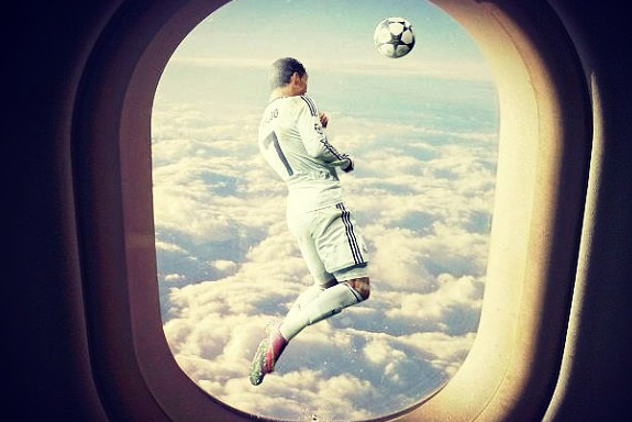 Instagram: Ronaldo Can Jump 30K Feet