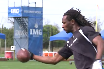 DeAndre Hopkins Makes 33 Consecutive One-Handed Catches (VIDEO)