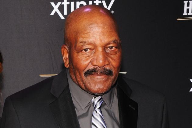 Browns Great Jim Brown Receives Doak Walker Legends Award