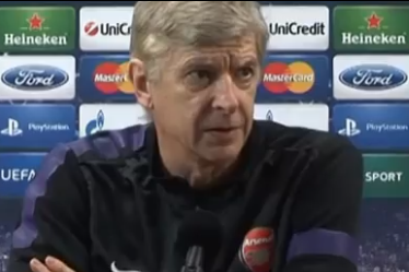 Wenger Asks Journalist Why He Is Looking at Him During Press Conference