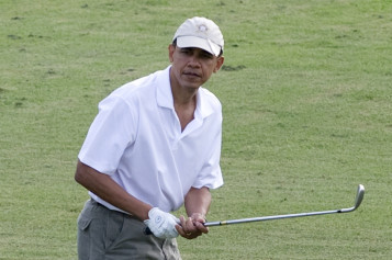 Obama Plays Golf With Tiger Woods