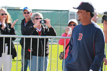 Martinez Back in Red Sox Uniform, Ready to Help