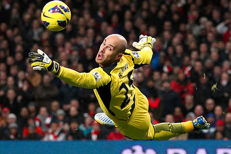 Liverpools Pepe Reina Dismisses Ongoing Barcelona Speculation